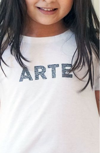 camiseta-mini-za-arte-cafarah-zoom.jpg