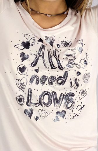 camiseta-camis-all-you-need-is-love-cafarah-zoom.jpg