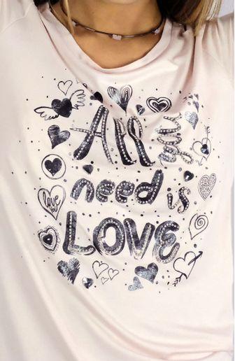 camiseta-camis-all-you-need-is-love-cafarah-zoom.jpg
