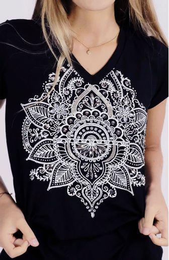 camiseta-mandala-preta-cafarah-zoom.jpg