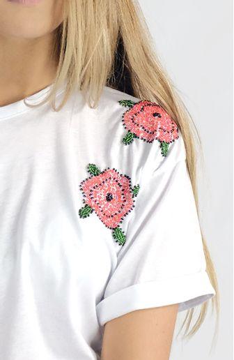 camiseta-flores-bordadas-canudos-cafarah-zoom